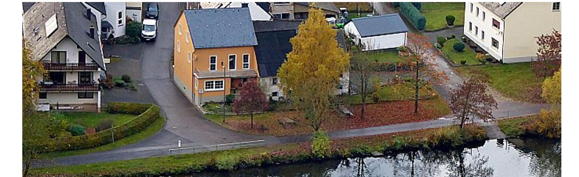 Piesport an der Mosel: Top saniertes EFH mit Nebengebäude an der Mosel